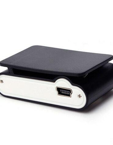 Mini MP3 přehrávač s displejem - černá spohní pohled